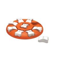 Denkspel hond Dog smart, oranje spel met 9 witte botjes.