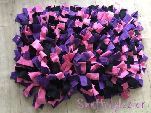 Snuffelkussen maat L paars roze zwart voor middelgrote- tot grote honden